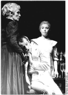 Conflicting characters: A performance of Ghosts in Berlin, 1983, with Inge Keller, Ulrich Mühe, and Simone von Zglinicki.
